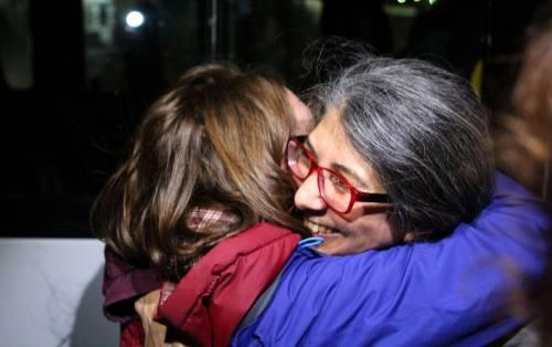 Gli attivisti di Amnesty all'uscita dal carcere 2