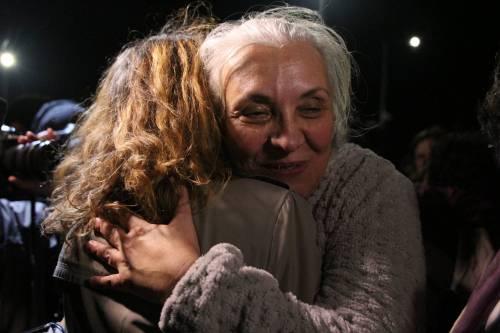 Gli attivisti di Amnesty all'uscita dal carcere 1