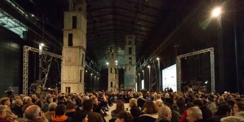 Non solo auditorium: le orchestre invadono i musei e gli hangar