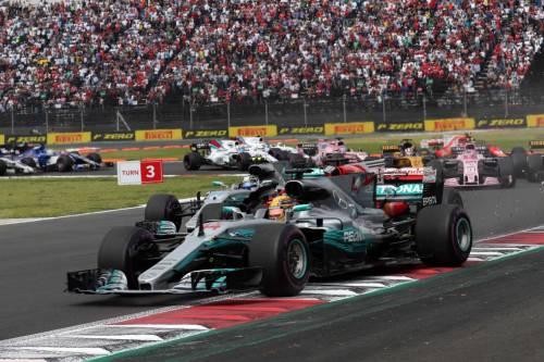 Formula Uno, Gp Messico: vince Verstappen ma Hamilton è campione del mondo