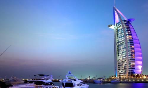 Dubai, si offre lavoro dei sogni a personale senza esperienza