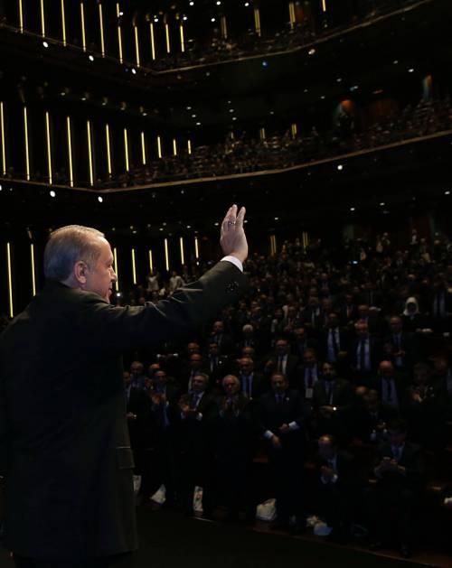 Erdoğan parla alla Camera del turismo di Ankara