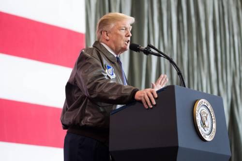"""Trump, schiaffo ai rossi: istituisce il """"giorno per le vittime del comunismo"""""""