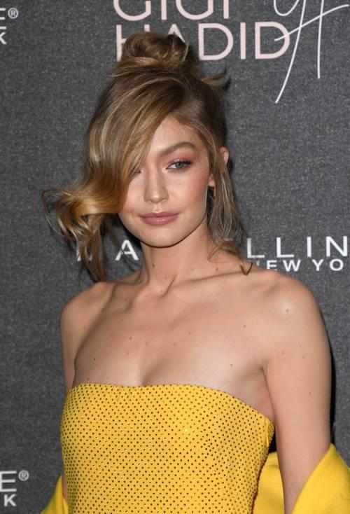 """La Cina chiude le porte a Gigi Hadid per un video """"razzista"""""""