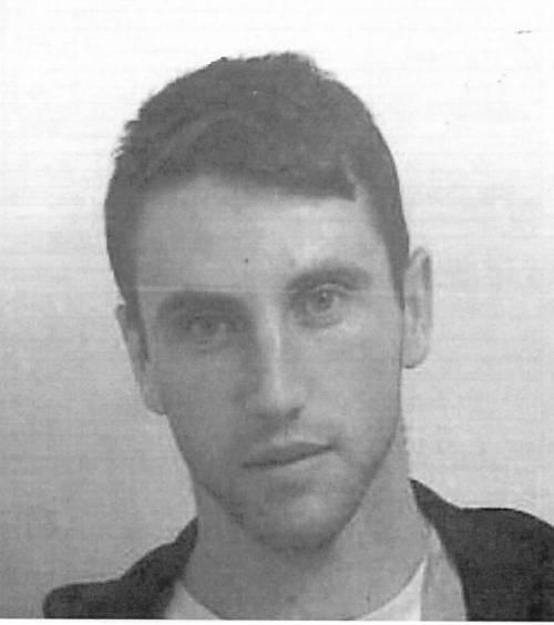 Polizia pubblica foto segnaletica e la rete impazzisce. Guxim è il nuovo Jeremy?