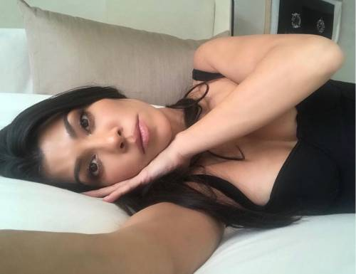 Kim Kardashian e le sorelle, le foto sexy 27