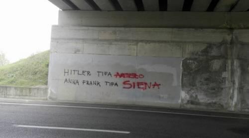 Scritte su Anna Frank e Hitler prima del derby tra Arezzo e Siena
