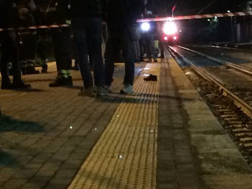 Napoli, 21enne travolta e uccisa da un treno mentre attraversava i binari 2