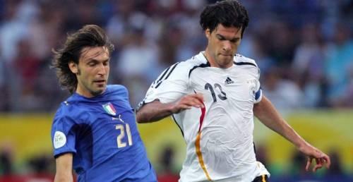 """Il tedesco Ballack deride l'Italia: """"Campioni del mondo adesso?"""""""