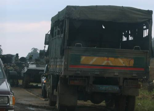 Carriarmati per le strade di Harare 7