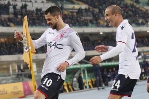 Il Verona fa harakiri: il Bologna passa 3-2. Pecchia a rischio