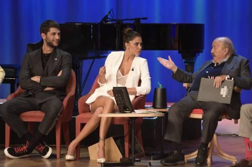 Belen Rodriguez sexy al Maurizio Costanzo Show 4