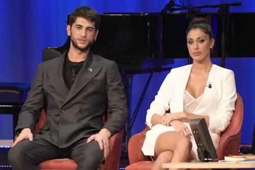 Belen Rodriguez sexy al Maurizio Costanzo Show 9