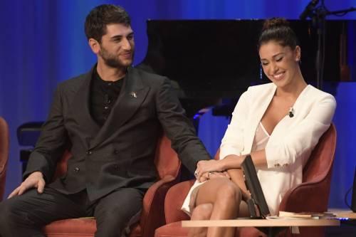 Belen Rodriguez sexy al Maurizio Costanzo Show 10