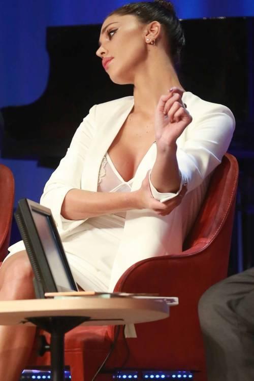Belen Rodriguez sexy al Maurizio Costanzo Show 18