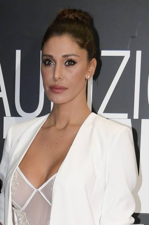 Belen Rodriguez sexy al Maurizio Costanzo Show 19