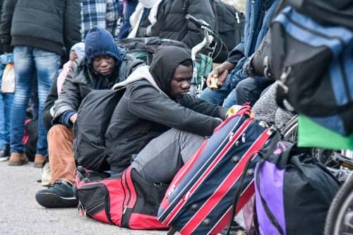 Un seggio per l'albergatore che fa soldi con i migranti