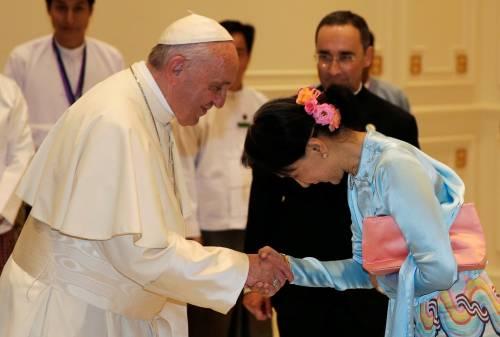 Il viaggio del Papa in Myanmar 7