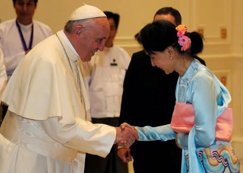 Il viaggio del Papa in Myanmar 13