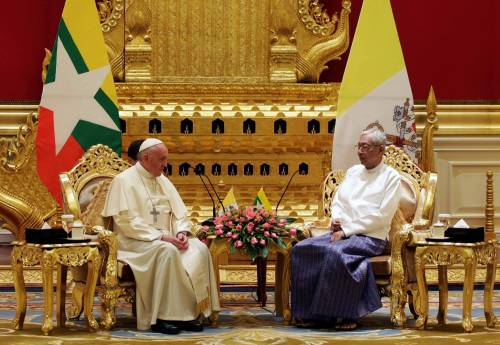 Il viaggio del Papa in Myanmar 17