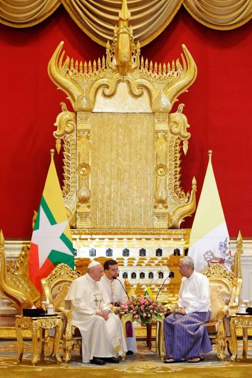 Il viaggio del Papa in Myanmar 19