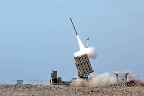 Come funziona Iron Dome, il sistema antimissile di Israele