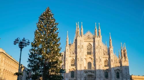 Le voci dei Piccoli Cantori per l'accensione dell'albero di Natale