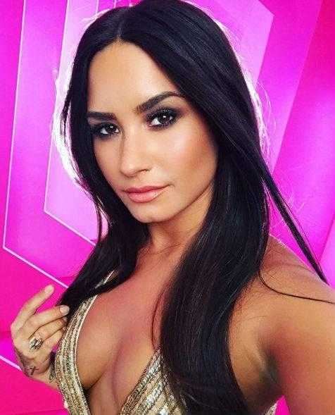 Demi Lovato, scatti sexy 8