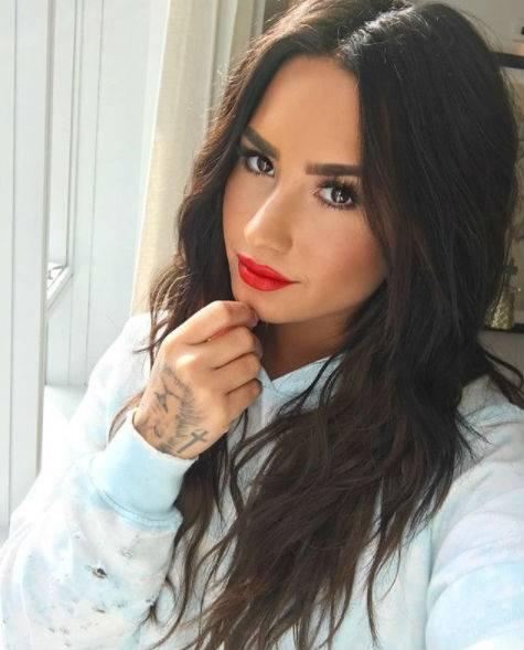 Demi Lovato, scatti sexy 9