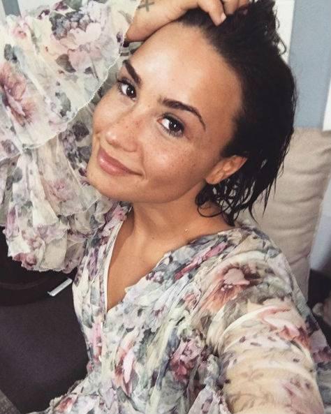 Demi Lovato, scatti sexy 5
