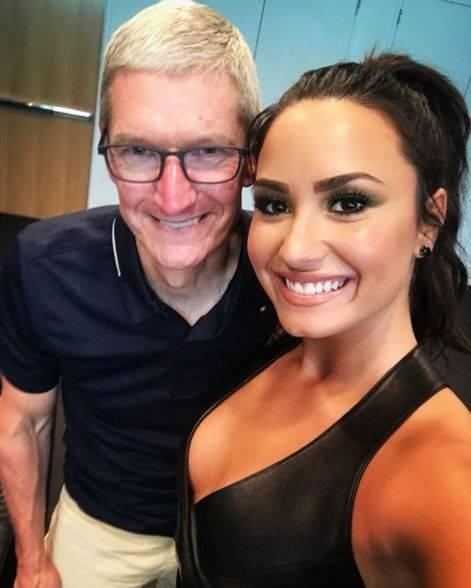Demi Lovato, scatti sexy 15