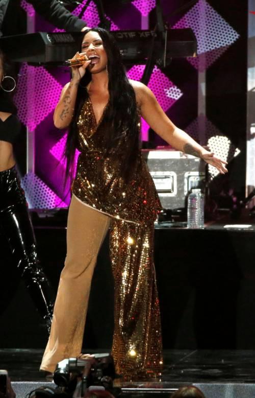 Demi Lovato, scatti sexy 21