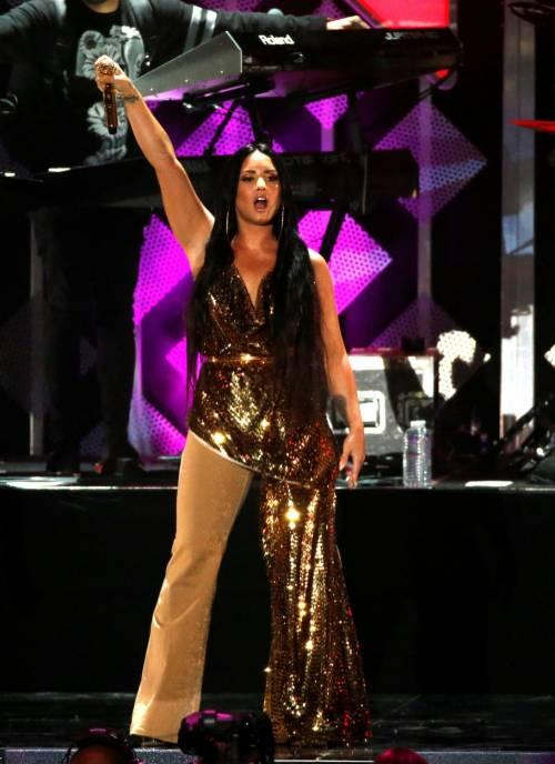 Demi Lovato, scatti sexy 23