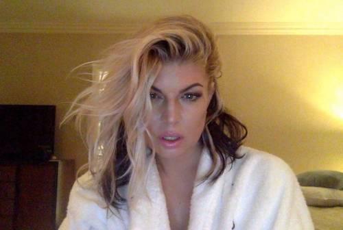 Fergie, immagini sexy 14