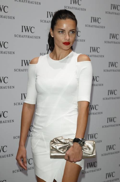 Adriana Lima, sexy immagini 2
