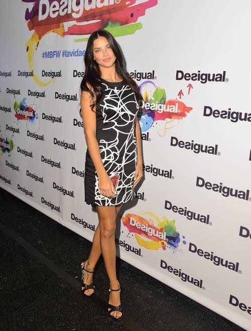 Adriana Lima, sexy immagini 4
