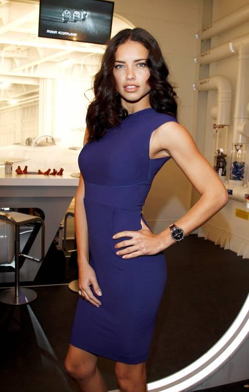 Adriana Lima, sexy immagini 7