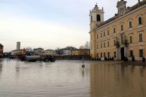 Il torrente Parma esce dagli argini 3
