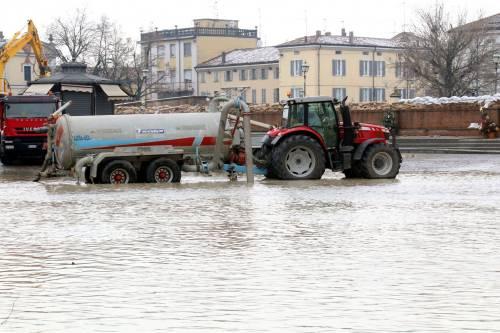 Il torrente Parma esce dagli argini 6