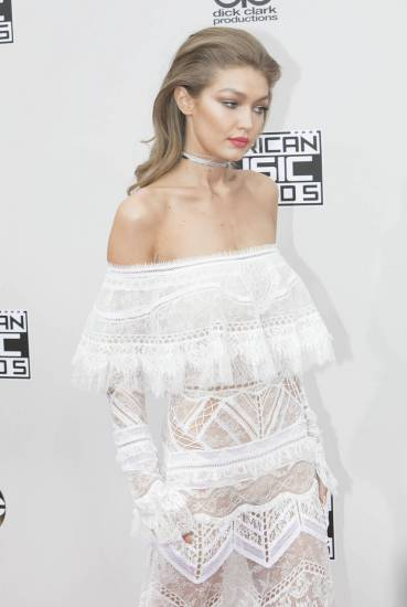 Gigi Hadid, sexy immagini 17