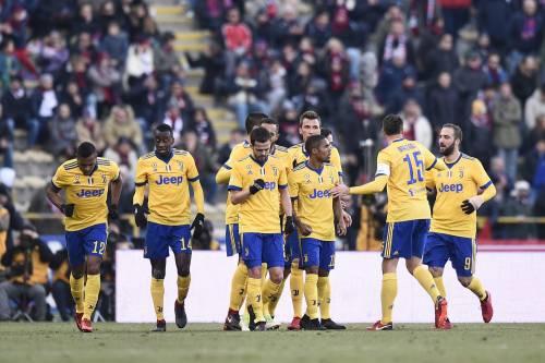 La Juventus ne fa tre al Bologna: bianconeri secondi a meno uno dal Napoli
