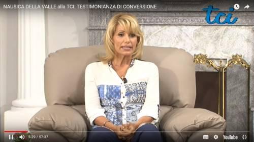 """L'inviata di Quinta Colonna: """"Dio mi ha liberata dall'omosessualità"""""""