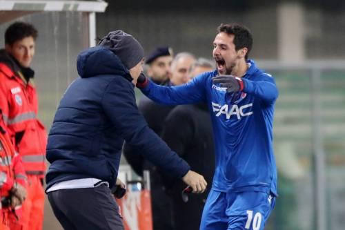 Il Bologna espugna il Bentegodi in 10 uomini: il Chievo  va ko 3-2