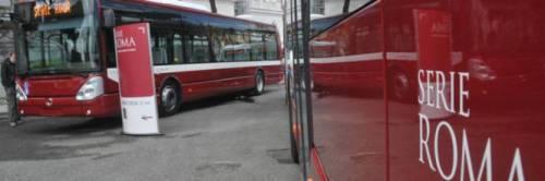 Roma, bus travolge e uccide uomo trascinato per 15 metri