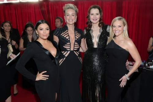 Golden Globe 2018, star in nero sul red carpet