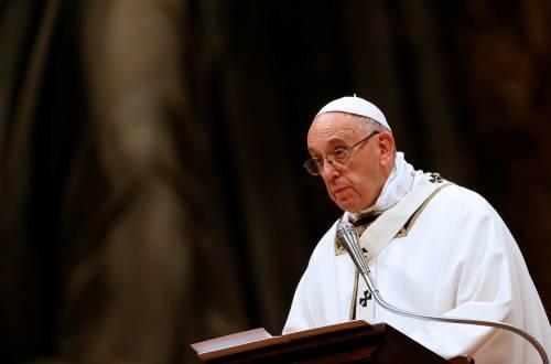 Migranti, l'appello di papa Francesco: 'Superate le paure e accogliete'