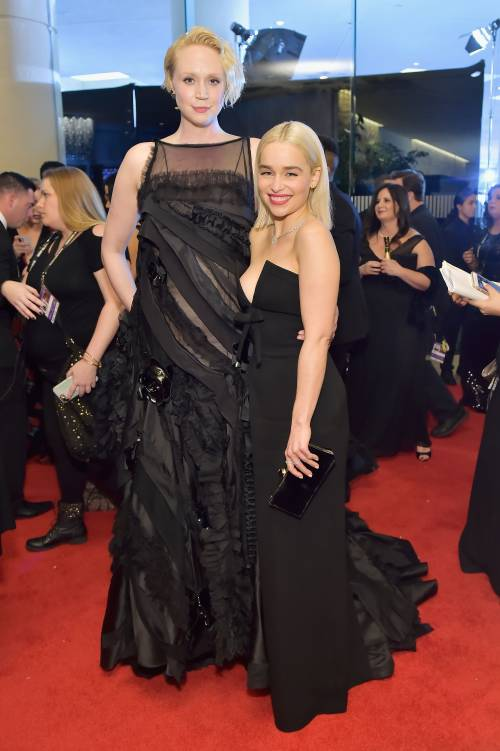 Golden Globe 2018, star in nero sul red carpet 10