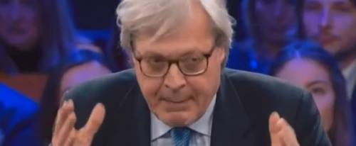 """Sgarbi attacca Di Maio: """"Un vermicello ridicolo"""""""