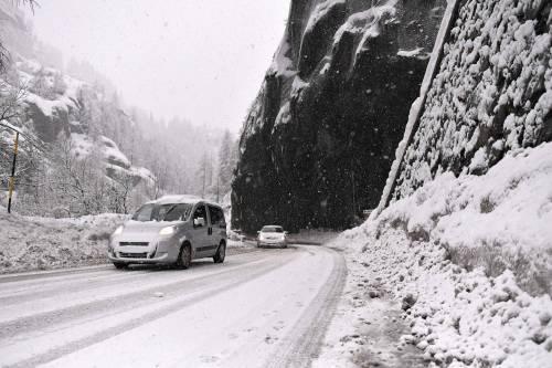Maltempo, strade interrotte a Cervinia 9