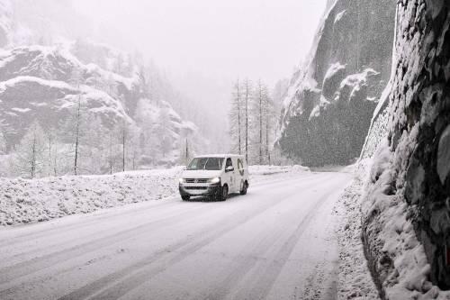 Maltempo, strade interrotte a Cervinia 10